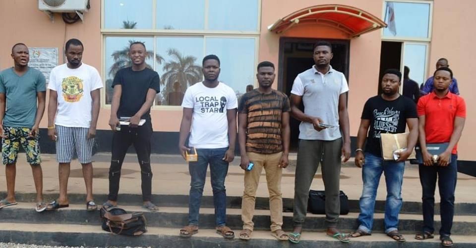 EFCC Arrests 8 Suspected Online Fraudsters In Elebuj-Oja