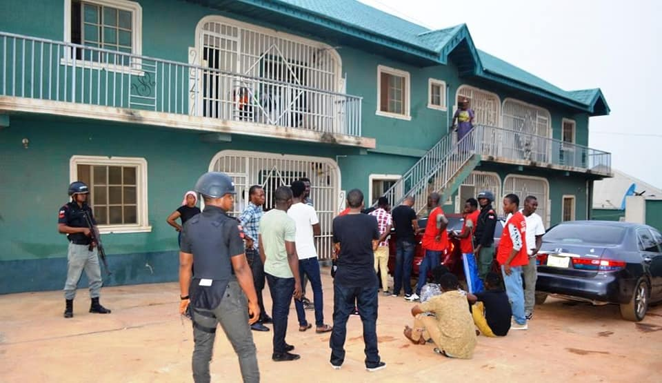 """S*x worker jumps from 2-storey building to escape """"Yahoo Boys' trying to use her for ritual"""